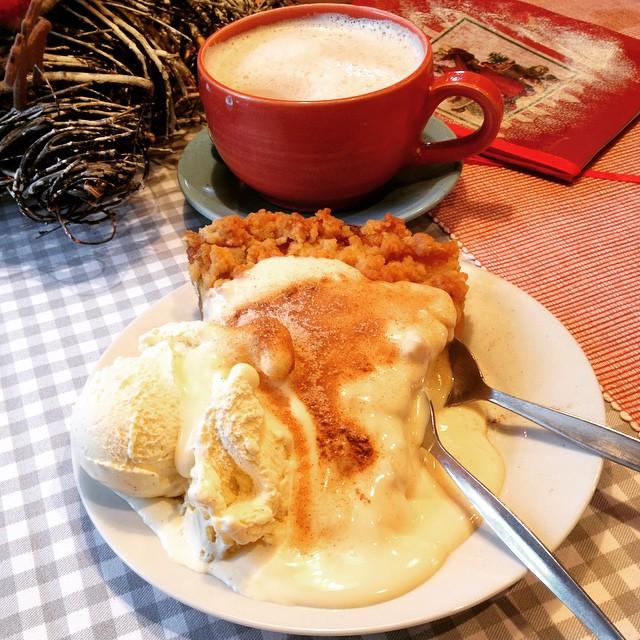 Yummy warmer Apfelkuchen föhr stellyshüüs