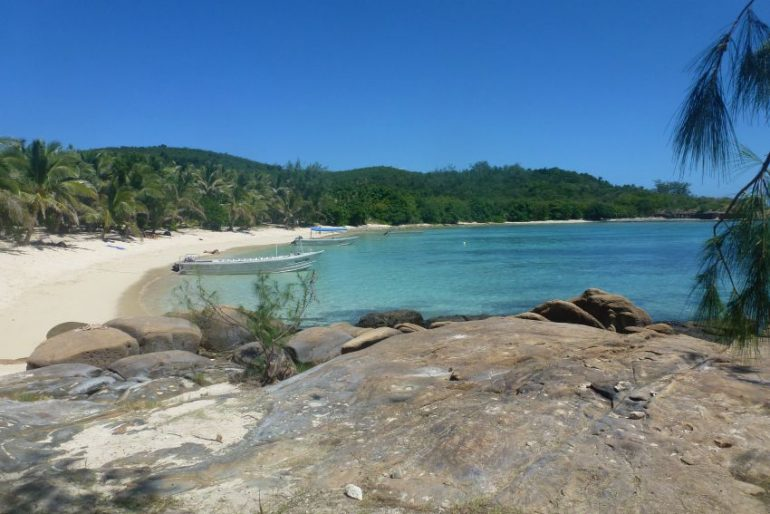 fiji barefoot island